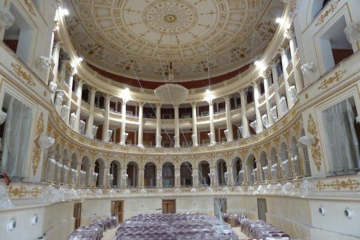 """Vittorio Emiliani: """"Il teatro finalmente ritrovato"""" [Il Sole 24 Ore, domenica 14 ottobre 2018]"""
